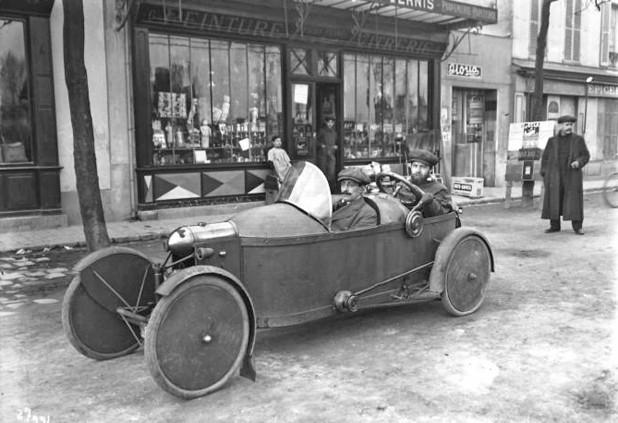 1913 Bédélia Circuit, Paris