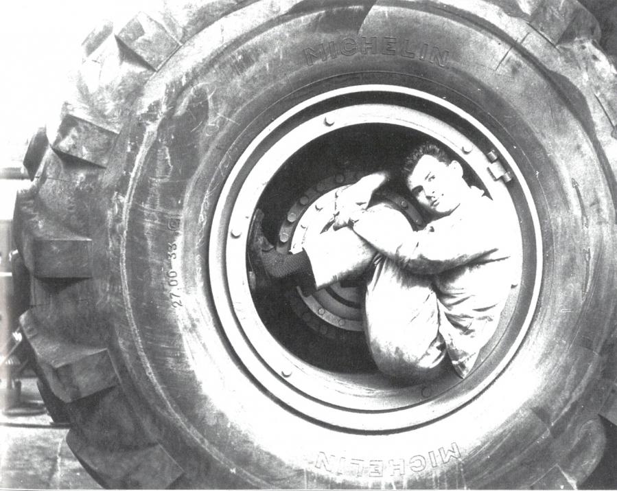 Des pneus Michelin pour le T 100