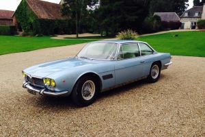 salon de la voiture de collection et des véhicules anciens Maserati