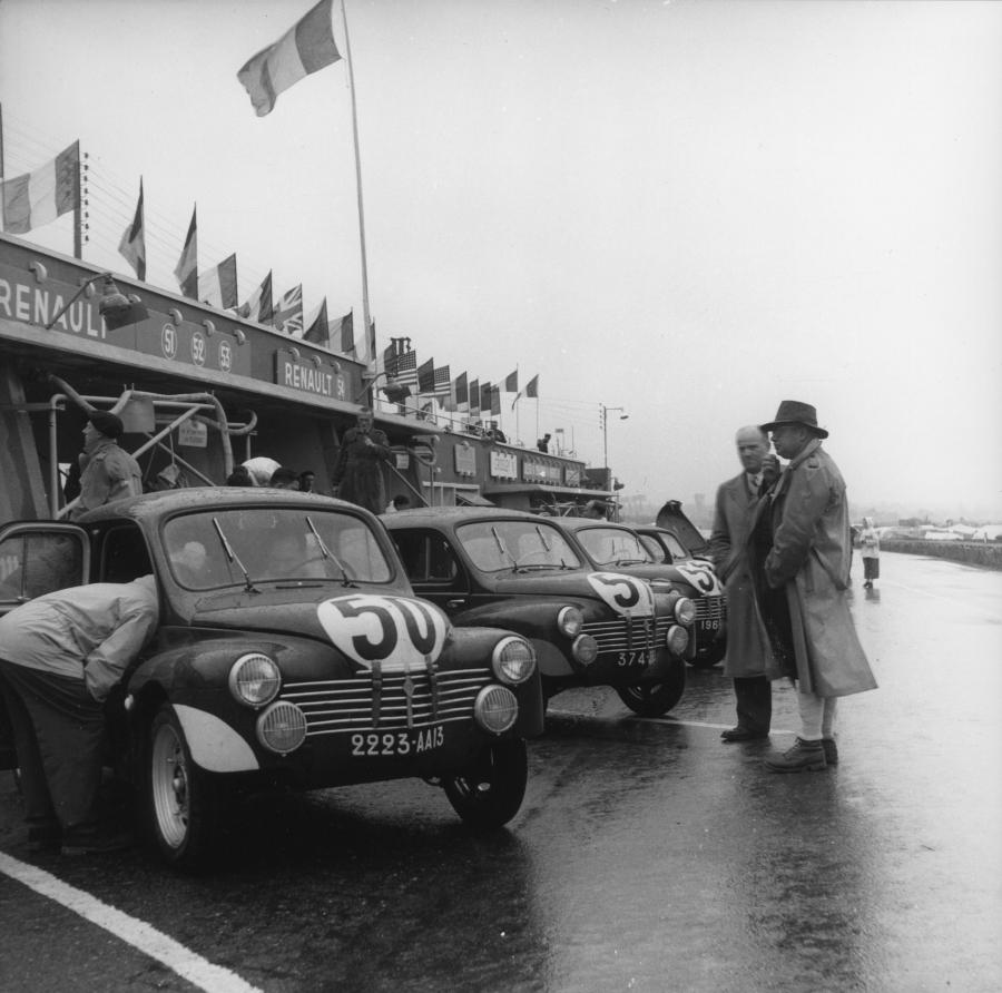 voiture de collection, voiture ancienne - Renault 4cv le mans